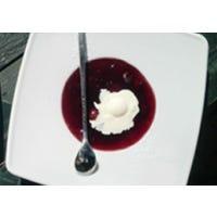 Rote Grütze mit Joghurtsauce