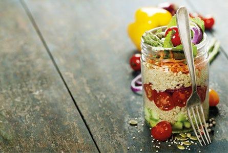 Hirse-Schichtsalat, Salat im Glas