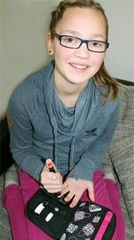Finnja aktives Mädchen mit Typ-1 Diabetes